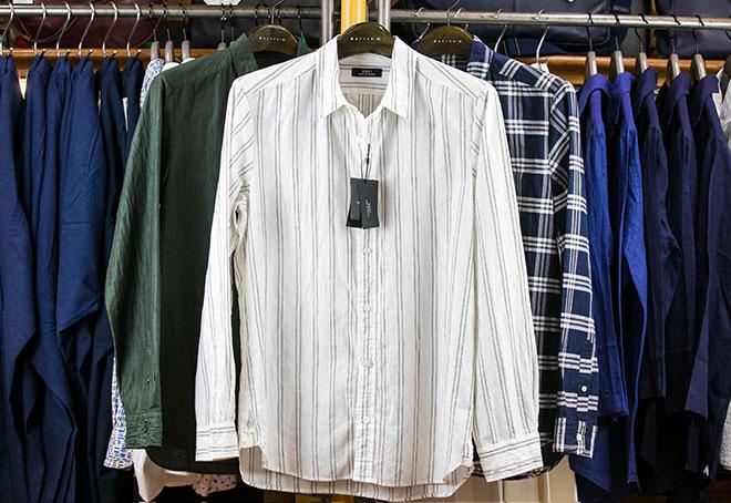 ストライプシャツ 18,000円→12,600円(+税)