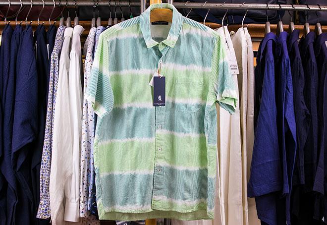 グラデーションシャツ 23,000円→16,100円(+税)